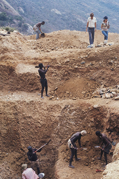 A ruby minein Voi, Taita Taveta, Kenya.