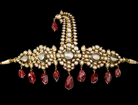 Turban Ornament (Sarpesh) , South India, Hyderabad, 1800–50. Gold; set with diamonds and suspended spinel beads of earlier date. Enamel on reverse. H: 18.5 cm, W: 27.2 cm. Al-Thani Collection. (Photo: © Prudence Cuming Associates)