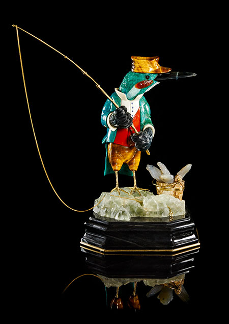 "A gold and multi stone carving of ""The Kingfisher,"" Manfred Wild, Idar-Oberstein, Germany, height: 19.7 cm. (Photo courtesy of Leslie Hindman Auctioneers)"