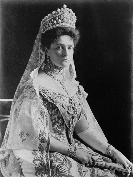 The Last Empress. Alexandra Feodorovna, 1908. (Photo: Boasson and Eggler)