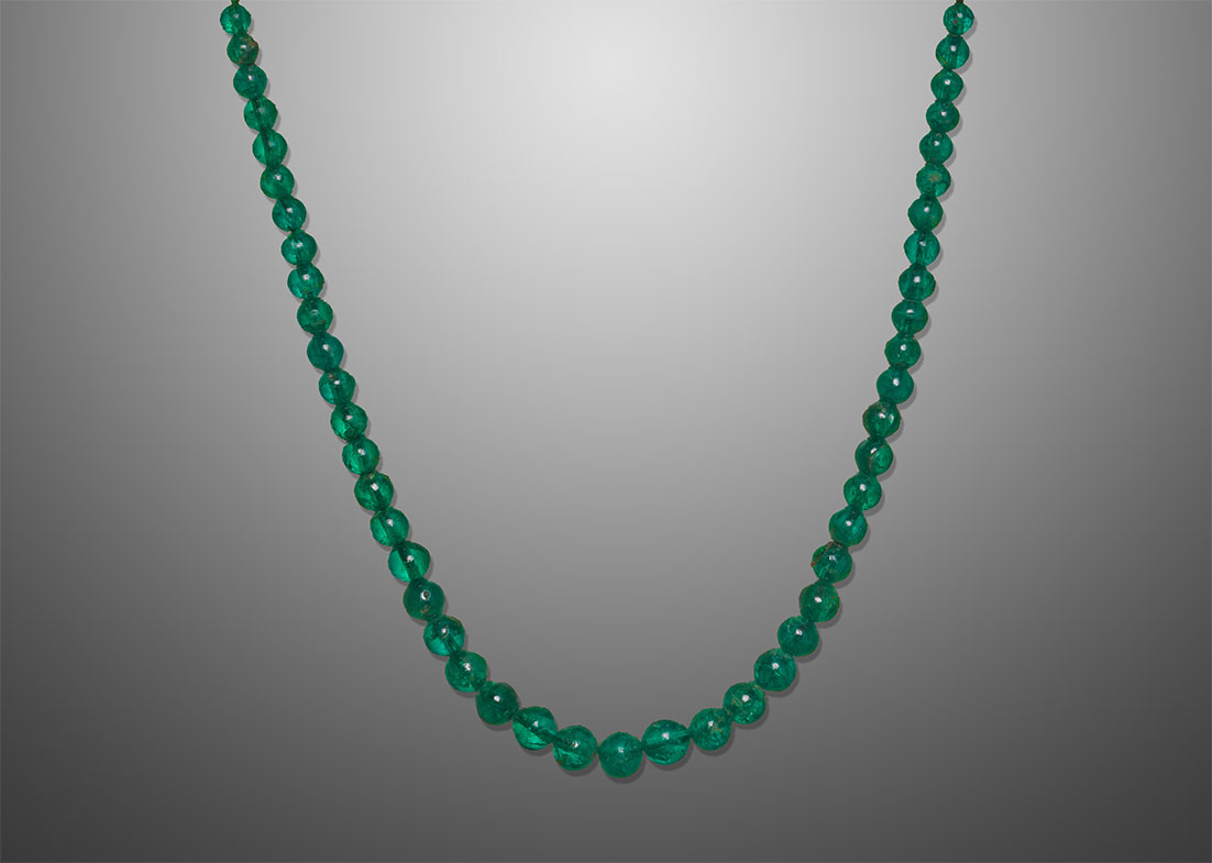 More emeralds from Muzo.  This string of emerald beads entered the French Crown Jewel collection between the inventory of 1791 and that of 1811. The gems most likely come from the seizures during the revolutionary period. Emerald beads were rarely created at that time, and contribute to the extraordinary character of this necklace. (Photo: © MINES ParisTech – A. Stenger)