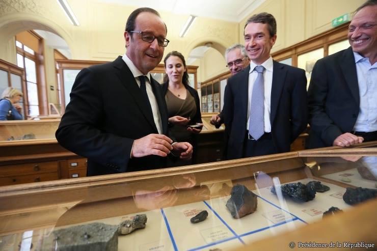 Hollande, Gaillou et al.