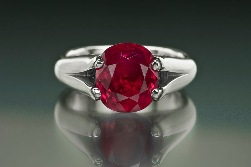 Burma ruby , 5.5 ct, from the Cora N. Miller Collection. (Photo: Jeff Scovil, courtesy R. W. Wise, Goldsmiths)