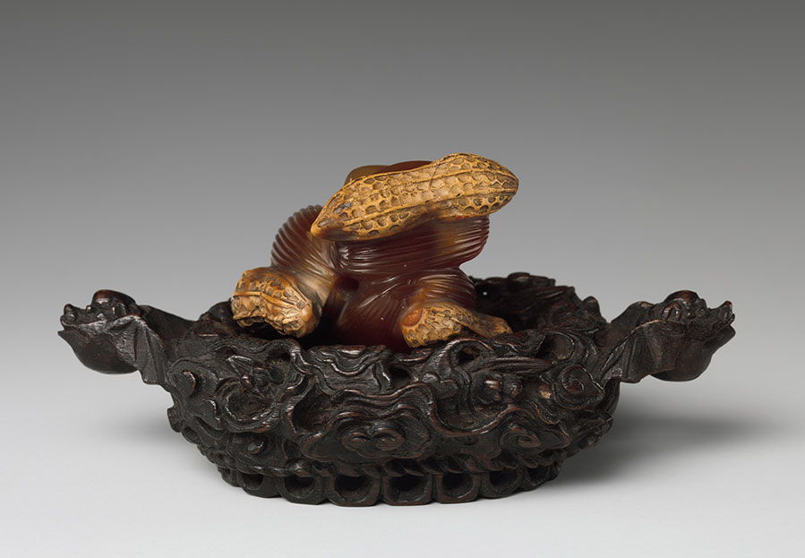 Peanuts and Jujube Dates.  Qing dynasty (1644–1911). Chalcedony. Gift of Heber R. Bishop, 1902. 02.18.895. H. 1 1/8 in. (2.9 cm). DP267521. (Photo courtesy of The Met)