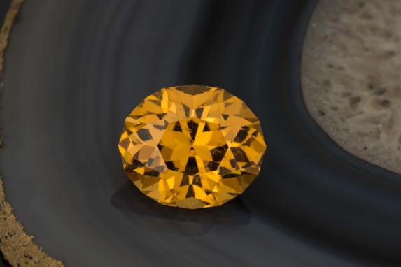 Bright and open golden colored 94.41 cts.(!) sheelite from China; a nice collectors piece, Inventory  #23737 . (Photo: Mia Dixon)