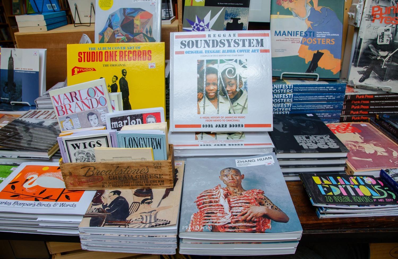 Alleycat Books
