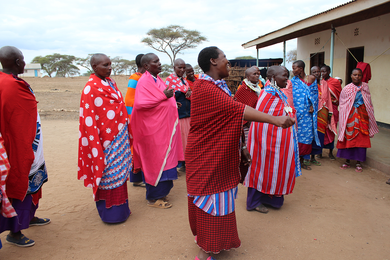 Maasai-women.JPG