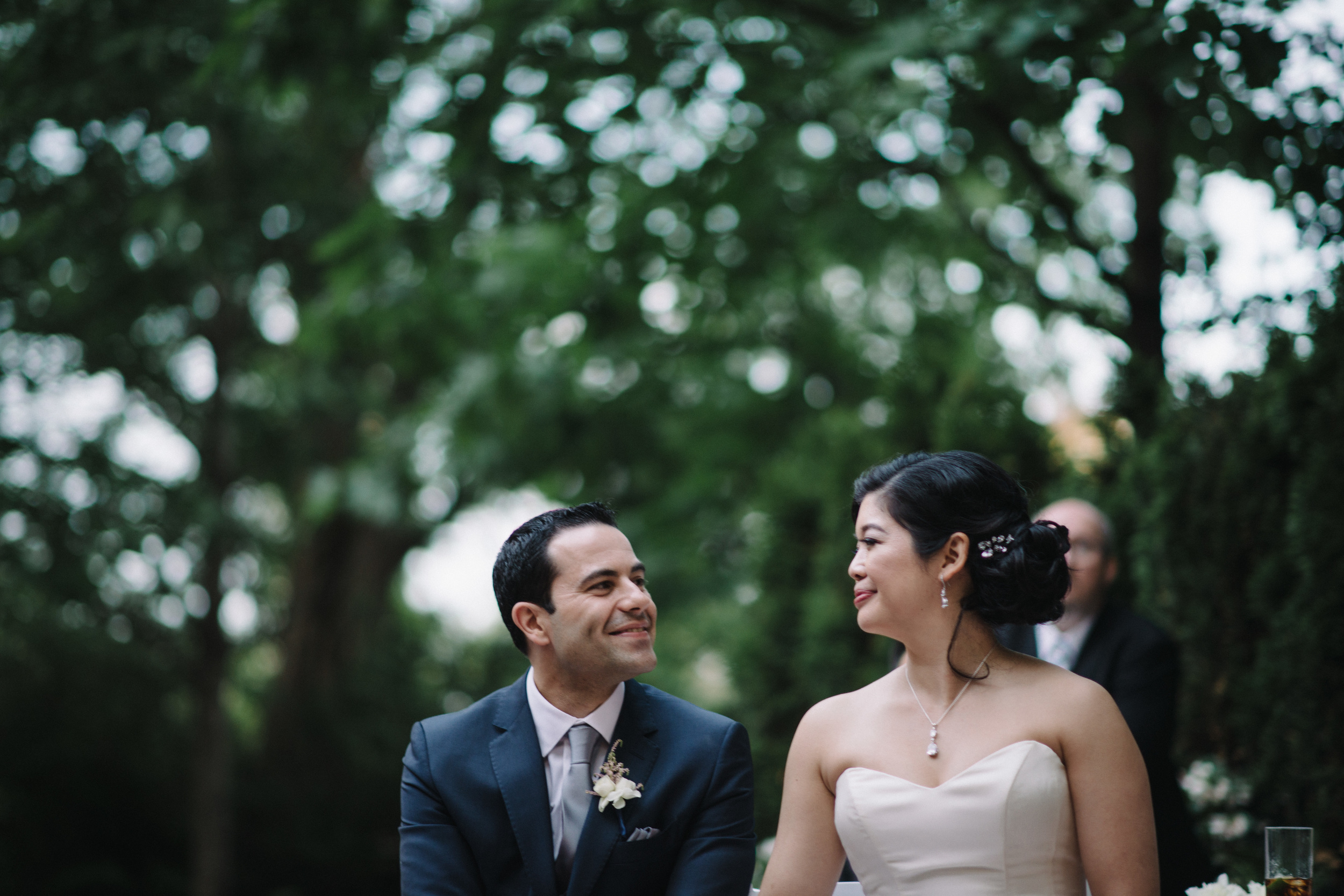 Happy bride and groom - photo by Brian Batista Bettencourt of 3B Photography