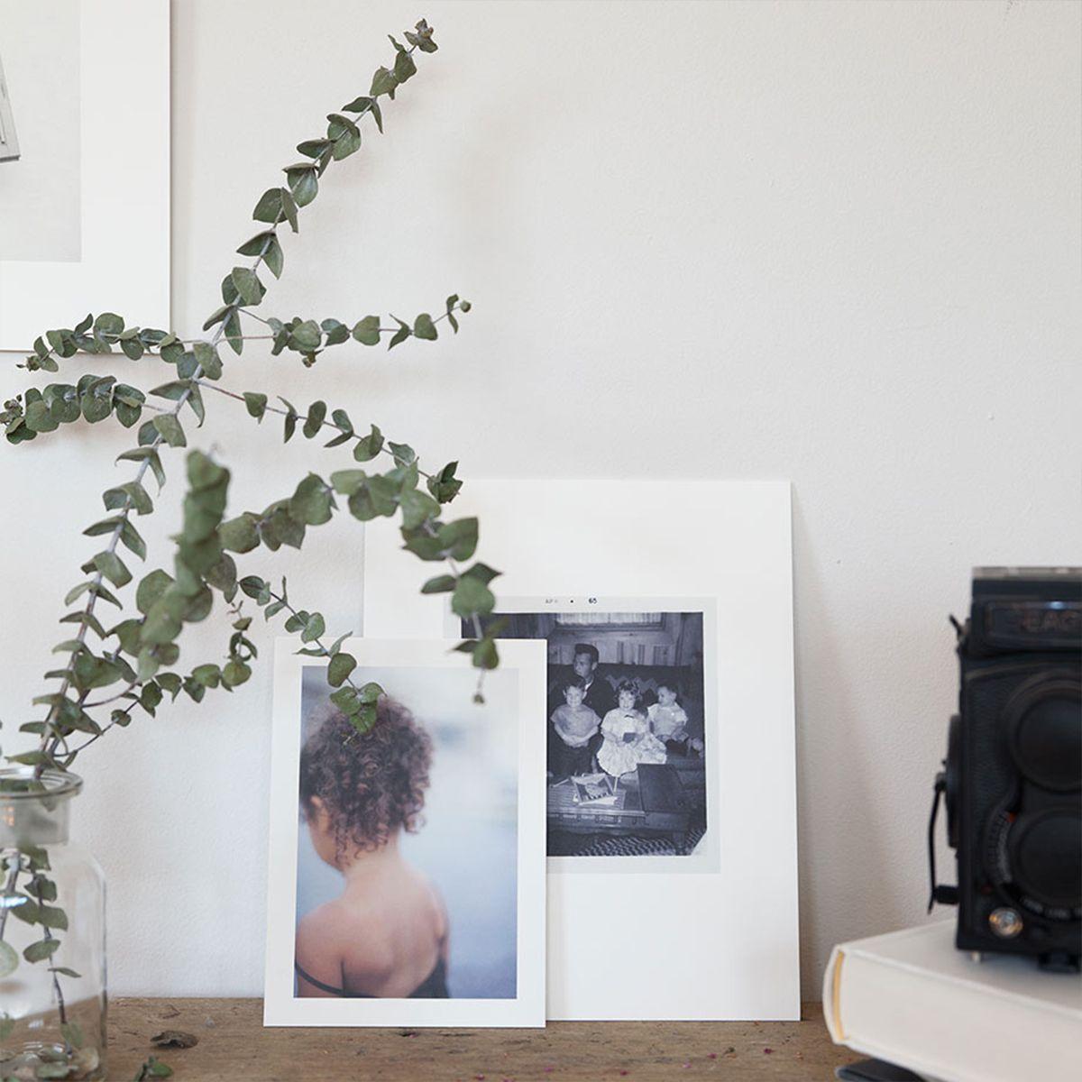 signature-prints-card-main05-prints-on-desk_2x.jpg