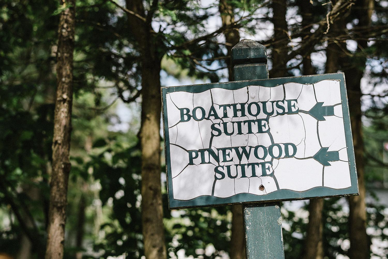 Muskoka-Cottage-Wedding-Photography-Photographer_Photojournalistic-Documentary-photography-Toronto-Wedding-Photographer-Fine-Art-Editorial-Candid-Sign-Detail.jpg