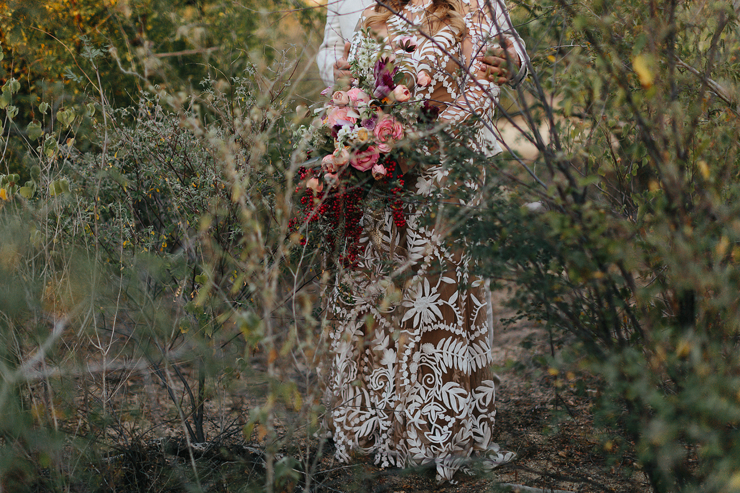 cabo-san-lucas-wedding-travelling-destination-wedding-photographer-toronto-wedding-photographers-3b-photography-hipster-trendy-documentary-style-mexico-wedding-bride-and-groom-portraits-alternative-details-bouquet.jpg
