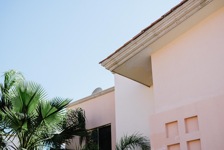 destination-wedding-cabo-san-lucas-ventanas-private-residence-alternative-toronto-wedding-photographer-details-palm-trees-mexican-buildings.jpg