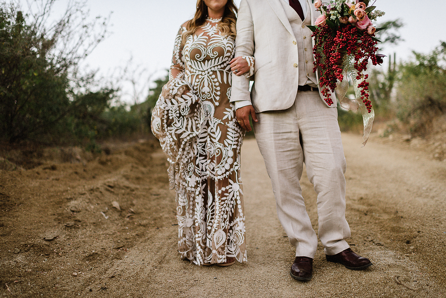 destination-wedding-cabo-san-lucas-ventanas-private-residence-alternative-toronto-wedding-photographer-documentary-photojournalistic-portraits-bride-and-groom-portraits-intimate-real-moments-timeless-romantic-images-moody-walking-details.jpg