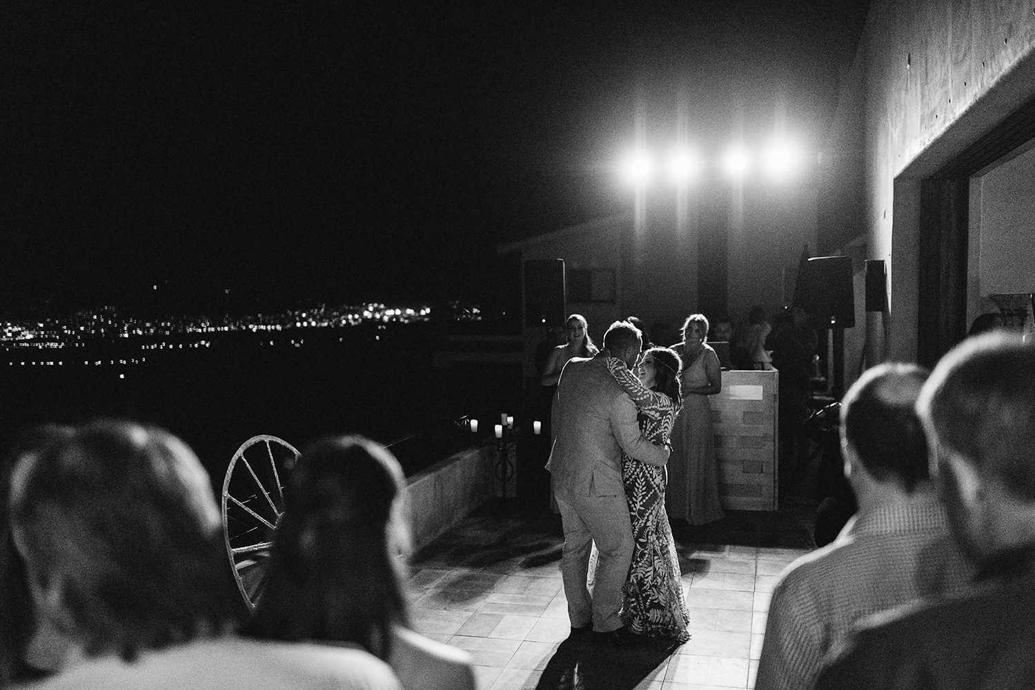 cabo-san-lucas-ventanas-private-residence-alternative-toronto-wedding-photographer-documentary-photojournalistic-reception-best-love-actually-moments-over-mountains-candid-first-dance-cabo-skyline-views.jpg