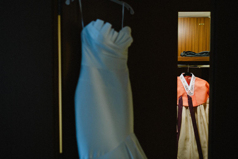 Best-Wedding-Photographers-Toronto_-Urban-City-Wedding-Photography-Downtown-Toronto-Photographer_Vintage-Bride-and-Groom-Details_The-Chase-Wedding-Venue.jpg