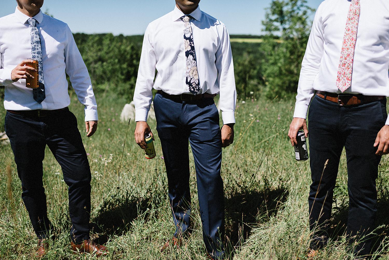 DIY-Countryhouse-Wedding-Vintage-Bride-and-Groom-Outdoor-Summer-Wedding-Reception-Beneath-a-Willow-Tree-Analog-Film-Kodak-TriX-Candid-Documentary-Photojournalistic-Wedding-Photography-Groomsmen-Candid-Detail.jpg