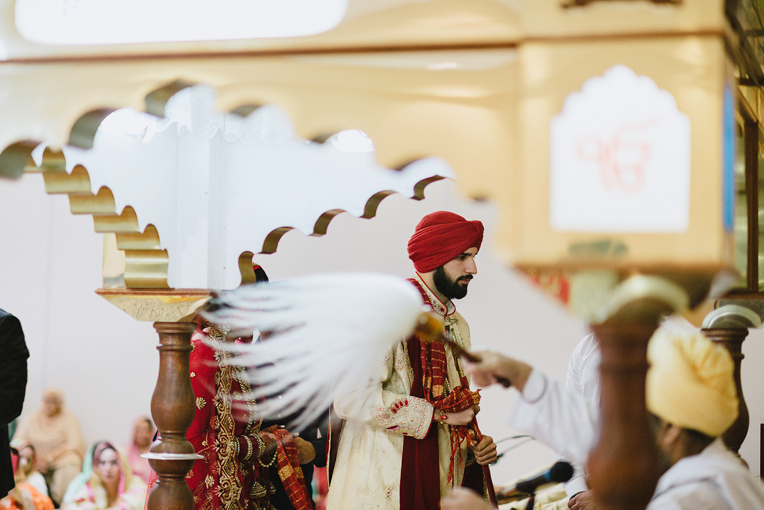 Toronto-Photojournalism-wedding-photographers-3B-Photography-Candid-Documentary-Film-Photography-Analog-Ontario-Hamilton-Port-Perry-Venue-temple-ceremony-sikh-tradition-bride-and-groom-marriage.jpg