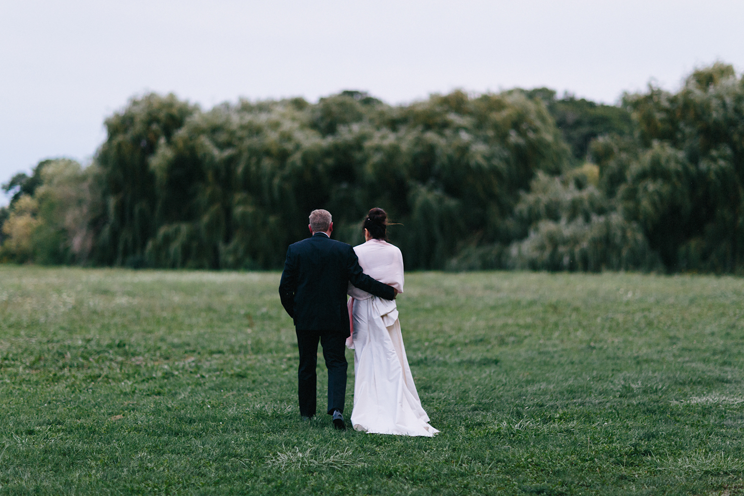 Best-Wedding-Photographers-in-Niagara-on-the-Lake-Toronto-Port-Dalhousie-curling-club-venue-inspiration-photojournalistic-documentary-style-candid-real-couples-portraits-walking-in-wilderness-and-willow-trees-EPIC.jpg