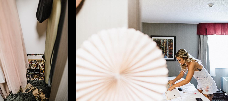 Dowswell-Barn-Wedding-Farm-Wedding-Getting-Ready-Bride-and-sister-mirror-portrait.jpg