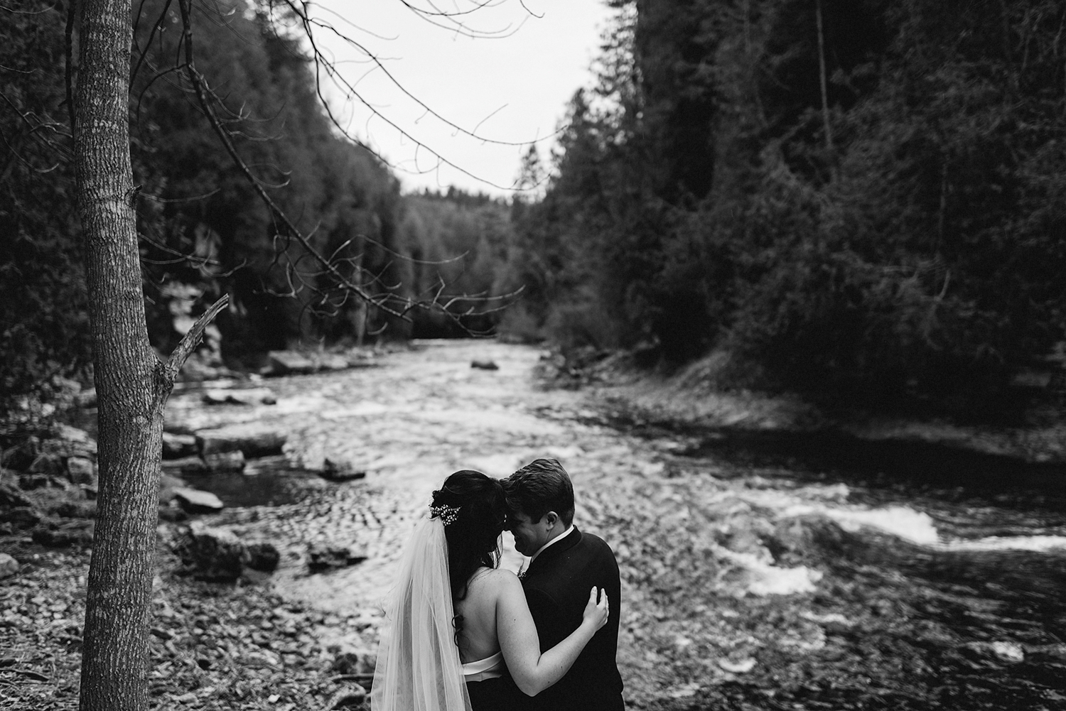 55-elora-mill-winter-wedding-candid-documentary-toronto-gta-wedding-photographer-gorge-couples-portraits-03.JPG