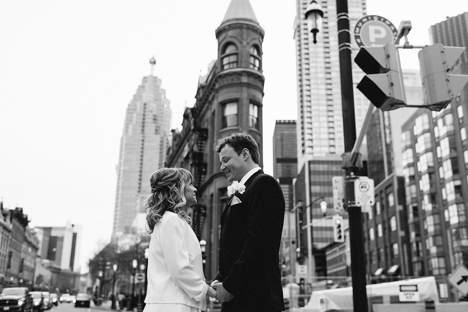 33-St-Lawrence-Market-Real-Wedding-Toronto-wedding-photographers-15.jpg