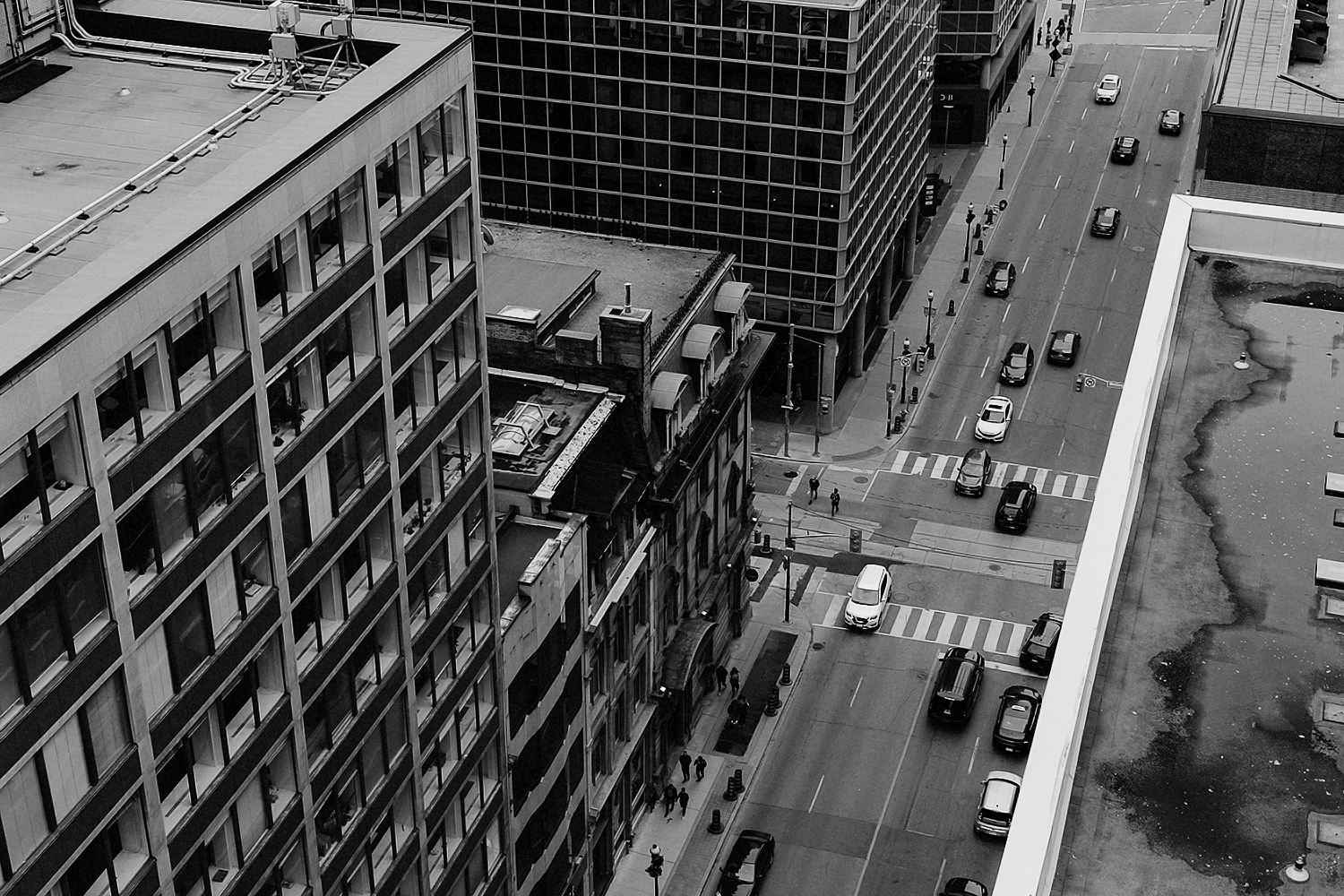 30-Best-Wedding-Photographers-in-Toronto-3B-Photography-Editorial-Fine-Art-Analog-Wedding-Photography-Toronto-Skyline-Rooftop-View.jpg