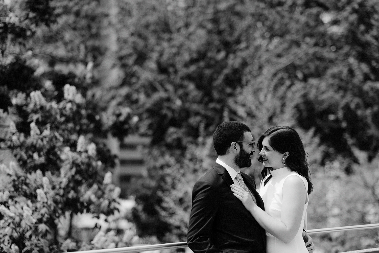 11-Intimate-Small-Toronto-City-Hall-Wedding-Osgoode-Hall-Candid-Documentary-Toronto-Wedding-Photographer-16.jpg