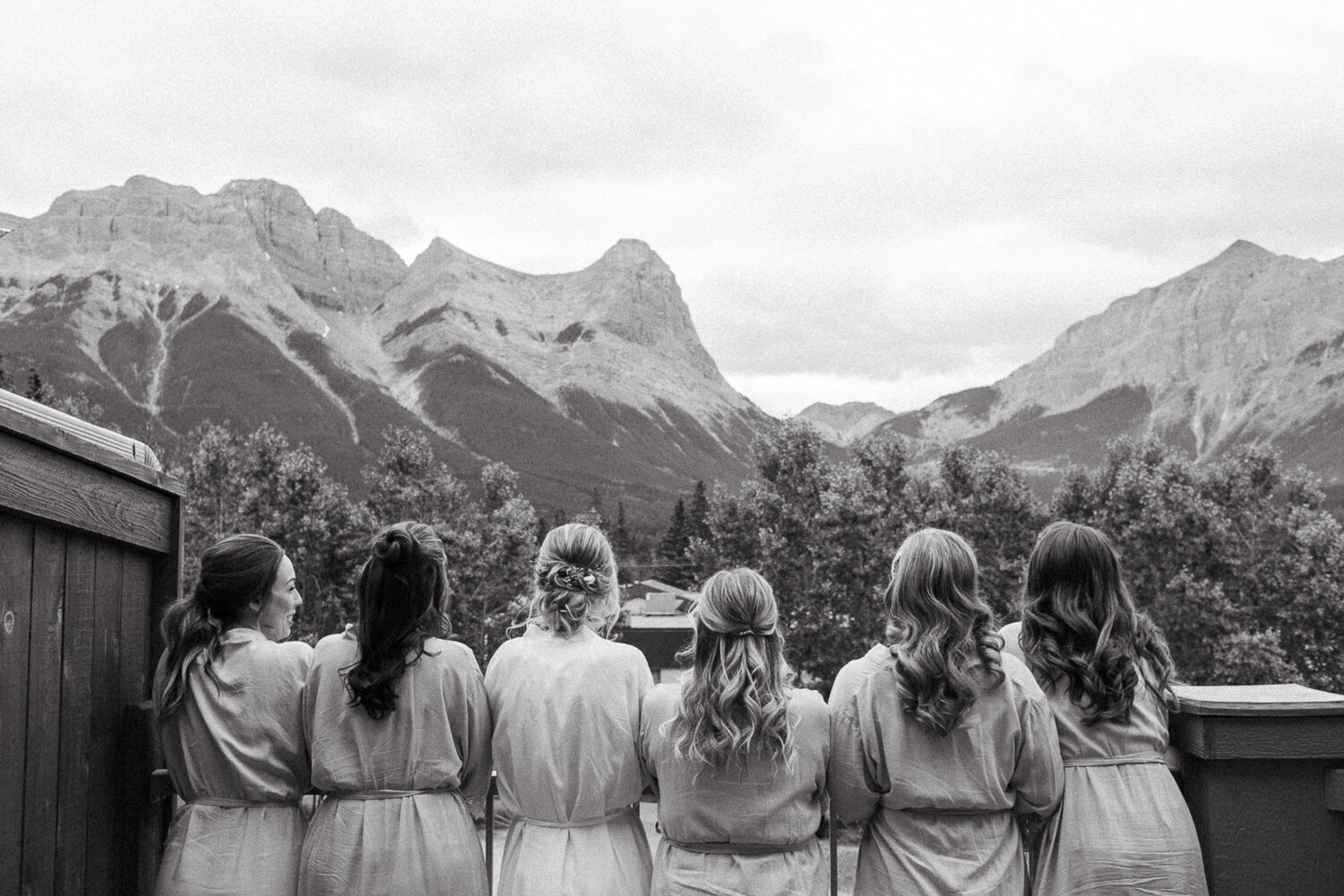 7-Canmore-Alberta-Real-Wedding-Best-Wedding-Photographers-15.JPG