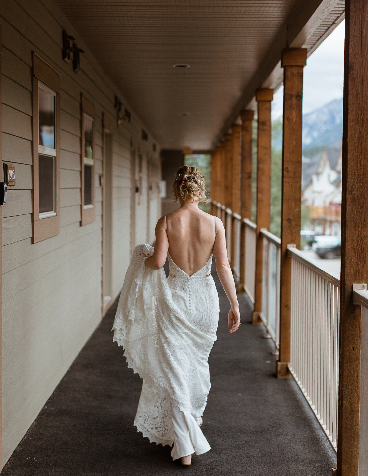 24-Canmore-Alberta-Real-Wedding-Best-Wedding-Photographers-26.JPG