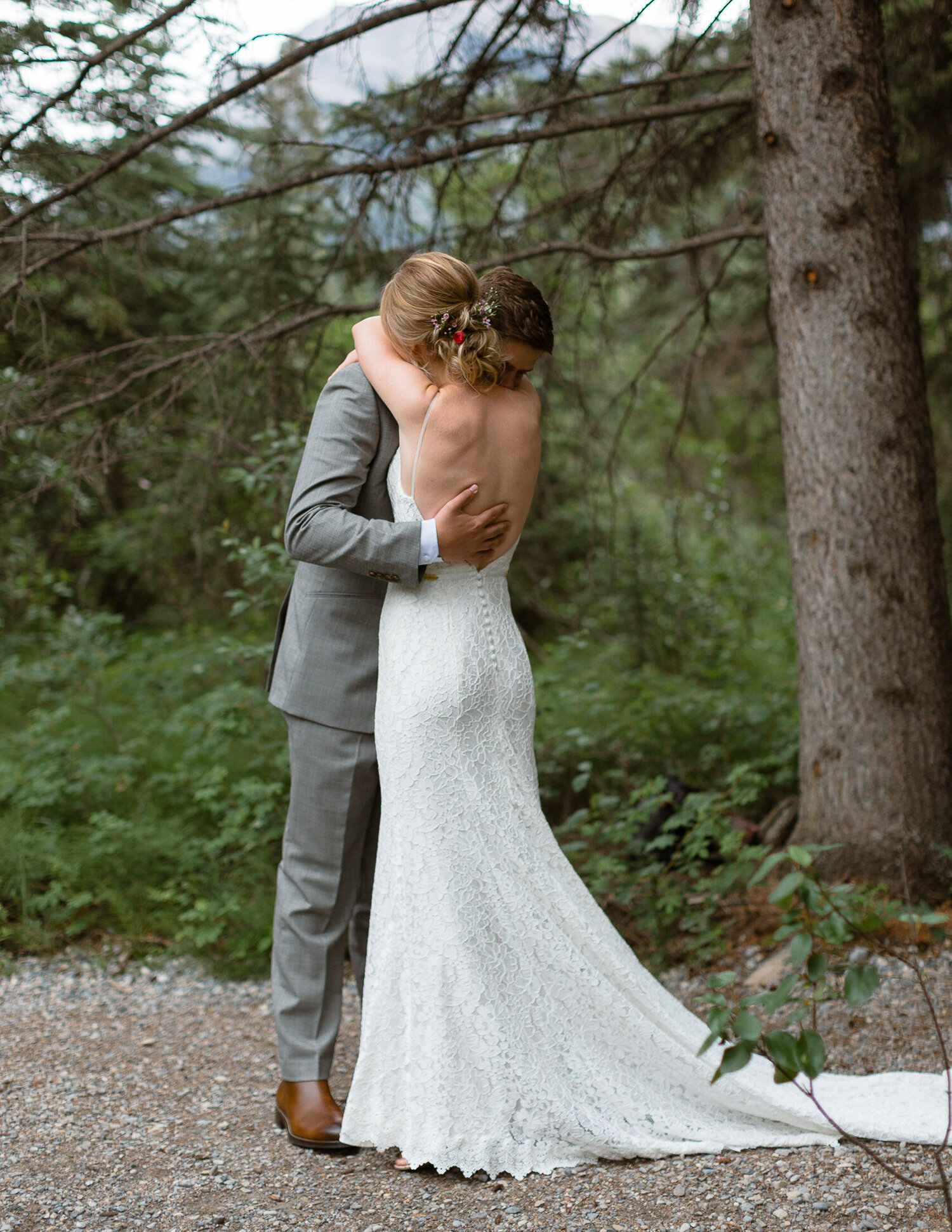 32-Canmore-Alberta-Real-Wedding-Best-Wedding-Photographers-36.JPG
