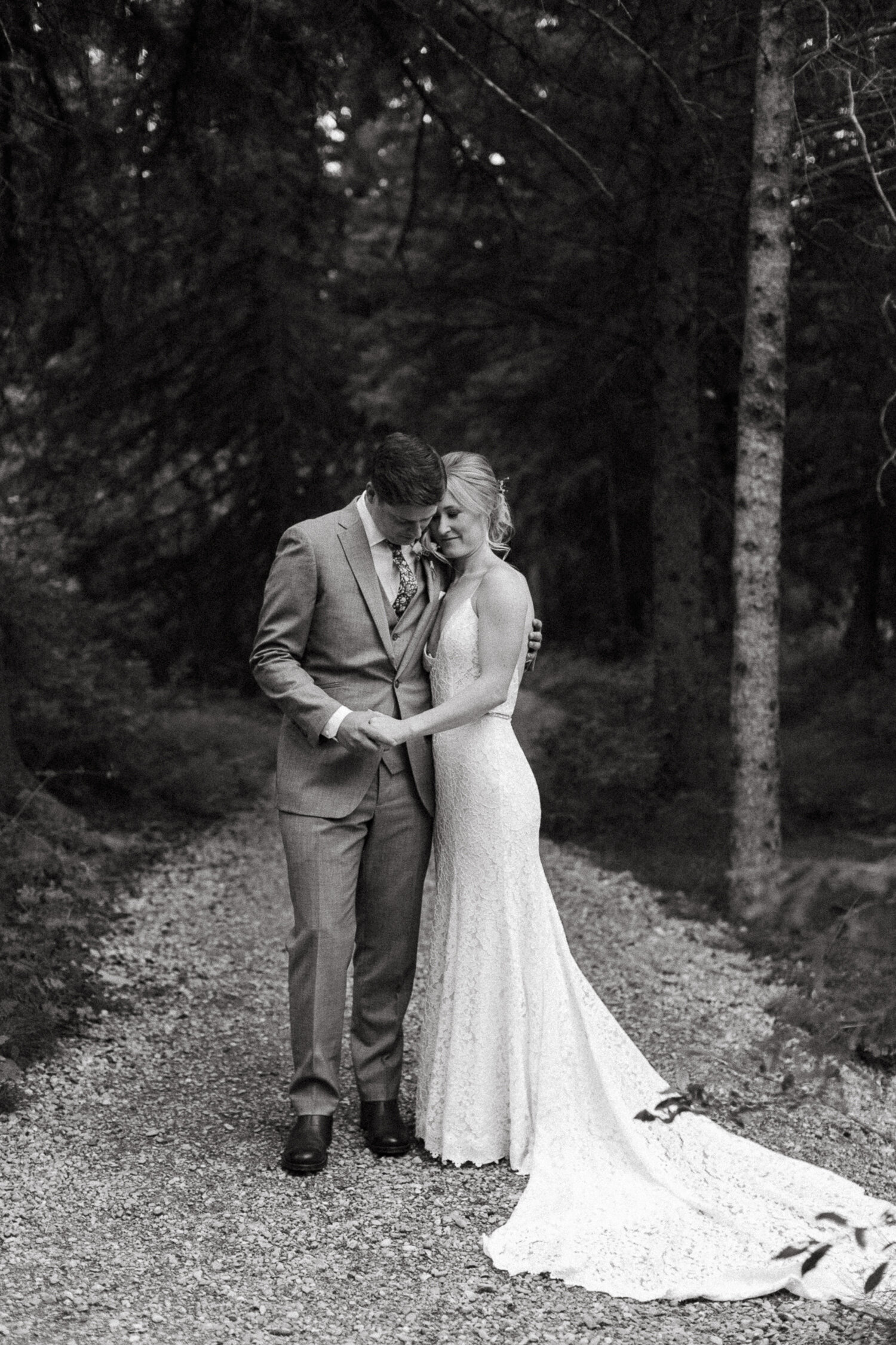42-Canmore-Alberta-Real-Wedding-Best-Wedding-Photographers-52.JPG