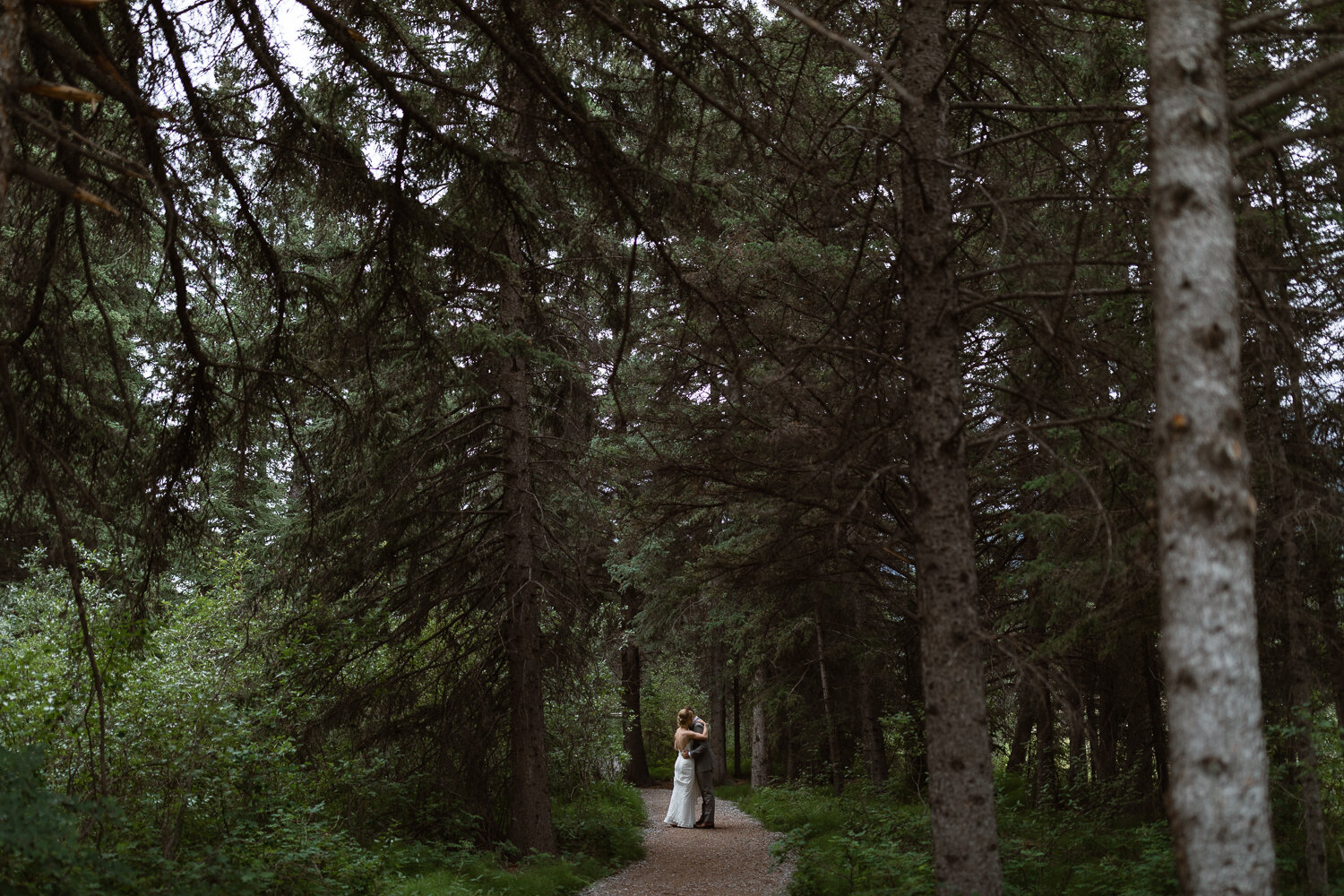 44-Canmore-Alberta-Real-Wedding-Best-Wedding-Photographers-56.JPG