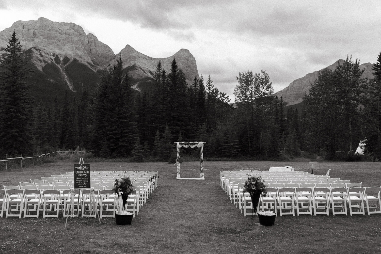 50-Canmore-Alberta-Real-Wedding-Best-Wedding-Photographers-62.JPG