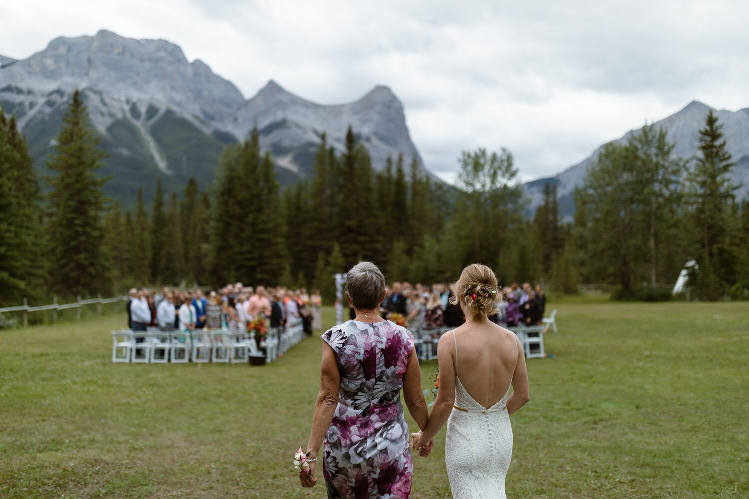 54-Canmore-Alberta-Real-Wedding-Best-Wedding-Photographers-76.JPG