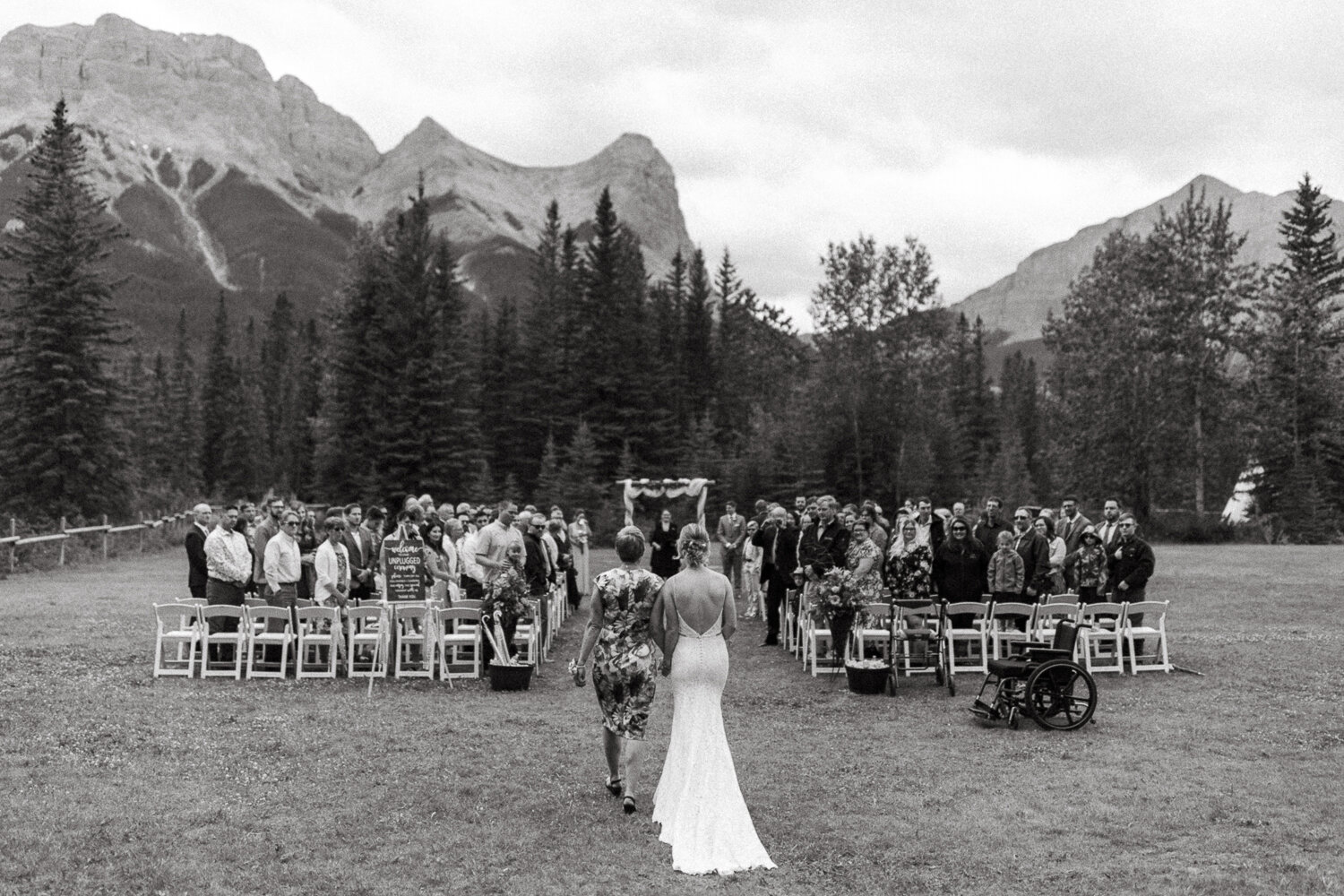 56-Canmore-Alberta-Real-Wedding-Best-Wedding-Photographers-77.JPG