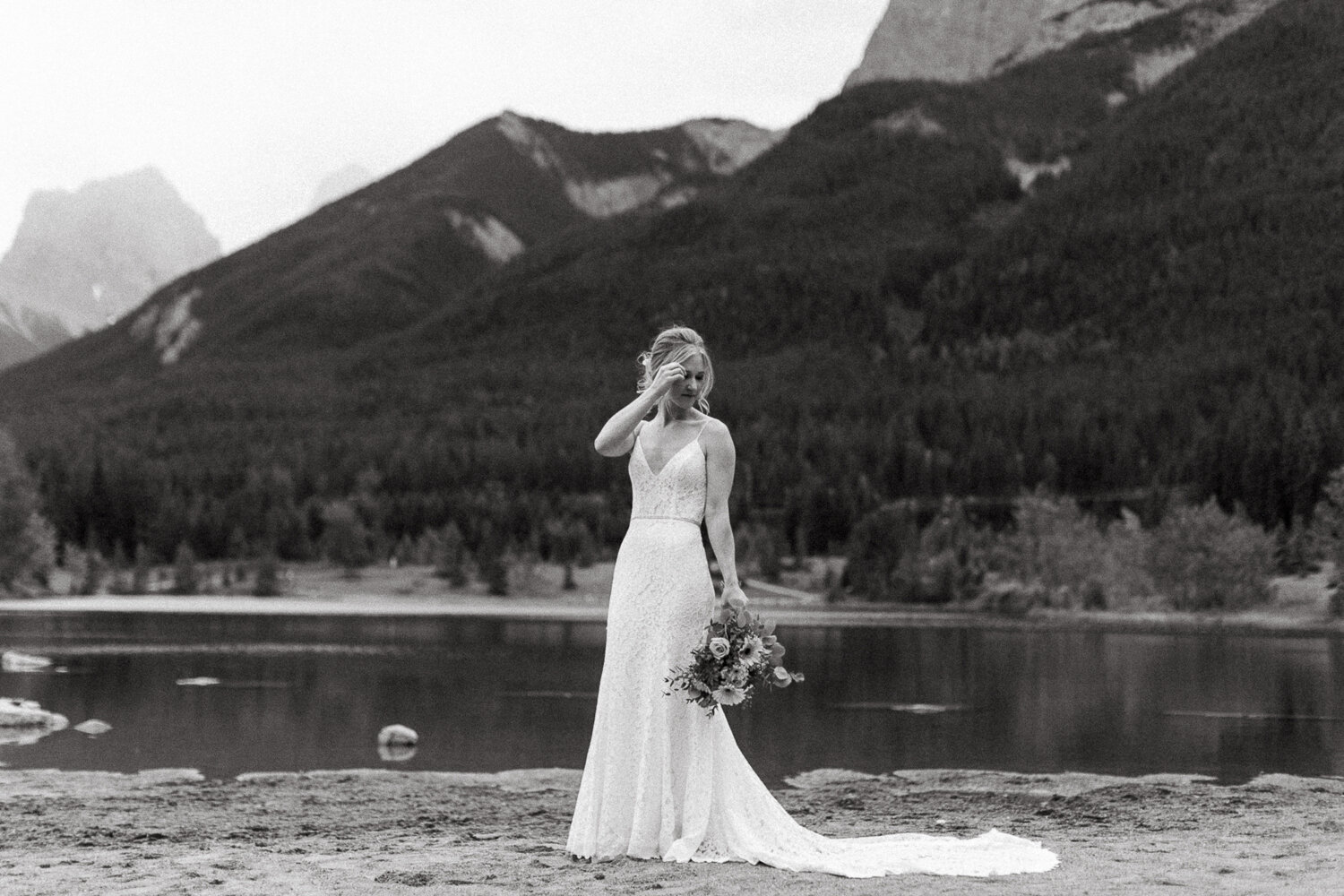 94-Canmore-Alberta-Real-Wedding-Best-Wedding-Photographers-142.JPG