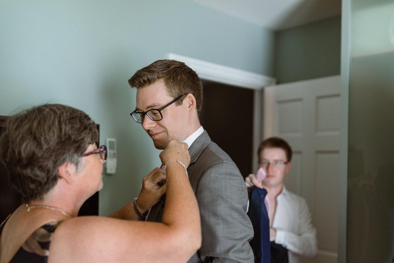 25-Algonquin-Island-Association-Wedding-Toronto-Island-AIA-Real-Wedding-Photos-7.JPG