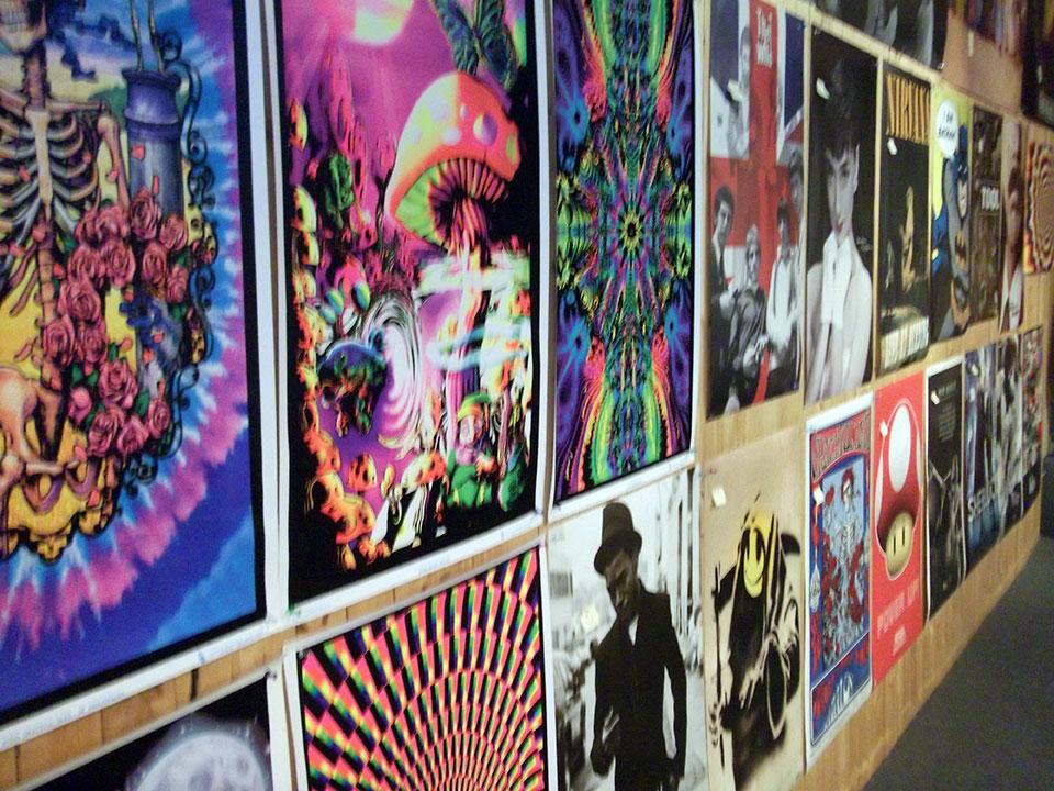 poster-wall-side.jpg