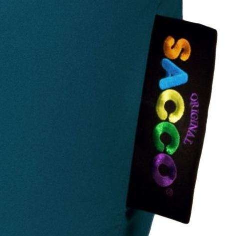 Saccosekk, sakkosekk, Zackosekk – - Saccosekken har en lang og stolt tradisjon. Navnet Sacco, er merkervarebeskyttet og eies i dag av Sacco Of Norway AS. Navnet og det patenterte mønsteret ble kjøpt fra Ekornes ASA i 2008.Mange produsenter bruker lignende navn og i noen tilfeller Sacco-navnet for å promotere sine kopier. Det skal være en ære å bli parodiert sies det. I noen tilfeller stemmer det nok. Men i merkevareverdenen er det ikke alltid tilfelle.Sacco®, har sitt utspring i et helt revolusjonerende design fra 1968. Møbelet både provoserte og imponerte. At det etter hvert har kommet mange kopier av dette designet er forståelig, da det fungerer svært godt. Om produktet i dag blir kalt; Sittesekk eller beanbag vil ingen reagere på det.For at Sacco® skal beholde sitt gode navn og rykte må vi stadig ta kampen mot de som tar den lettvinte løsningen og bruker vårt navn.Vi ønsker at kundene skal vite at kjøper du en Sacco® Original, så kjøper du et møbel fra Sacco of Norway med den velkjente Sacco® -komforten og -kvaliteten.Vårt kjære barn har bare ett navn, Sacco®, og det kan ingen andre bruke.