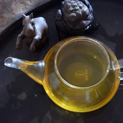 Baba raw Pu-erh tea from Jinggu (4).JPG