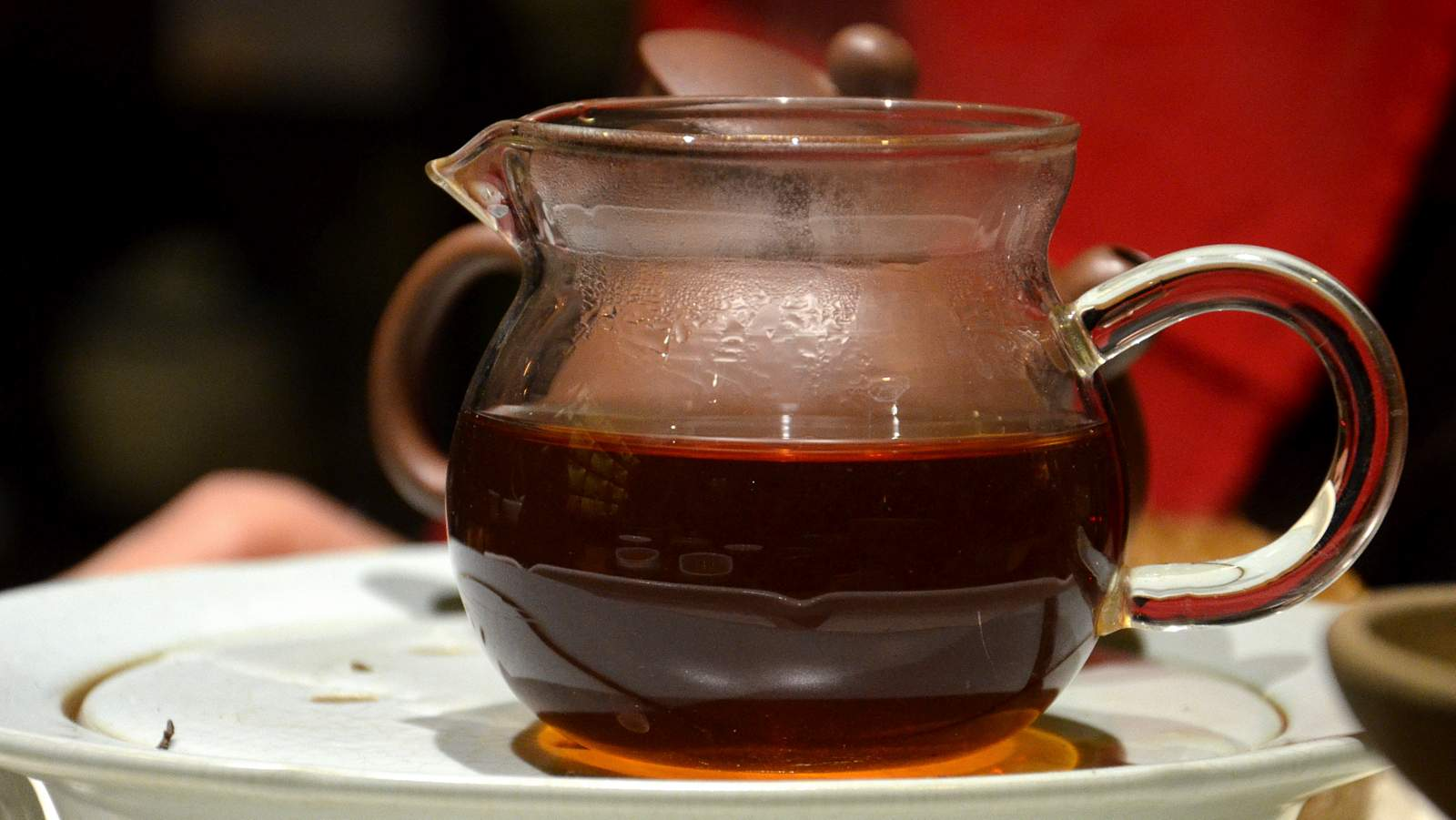 CNNP raw Pu-erh blend 7542, red label from 1996 of Menghai tea factory, mature orange