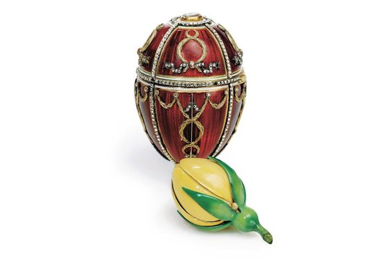 The Rosebud egg was the first egg that Nicholas II gave to his wife Alexandra