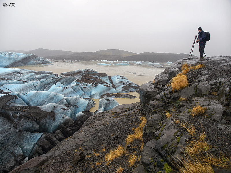 Photographing the glacier on Iceland