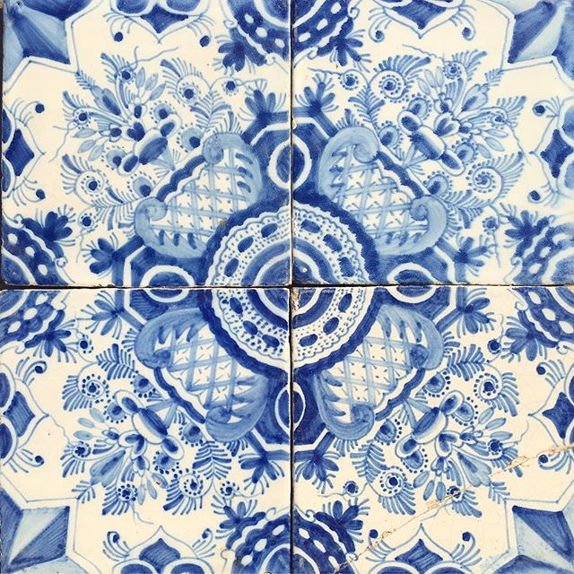 17th / 18th century Delft panel decorated with eight pointed stars and feathery foliage  #newstock