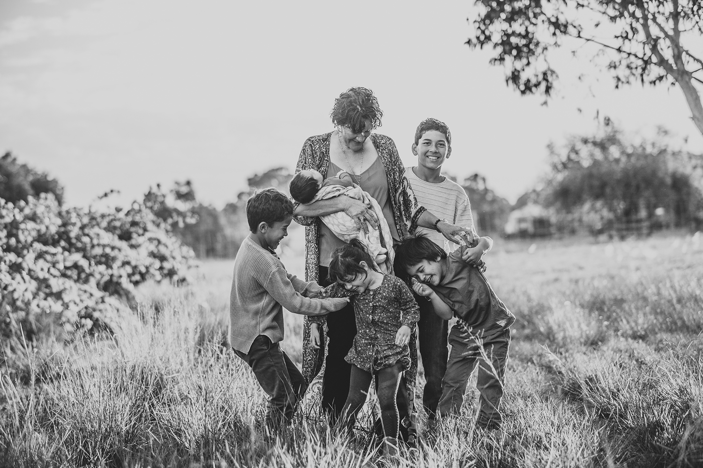 family-giggles-photographer.jpg