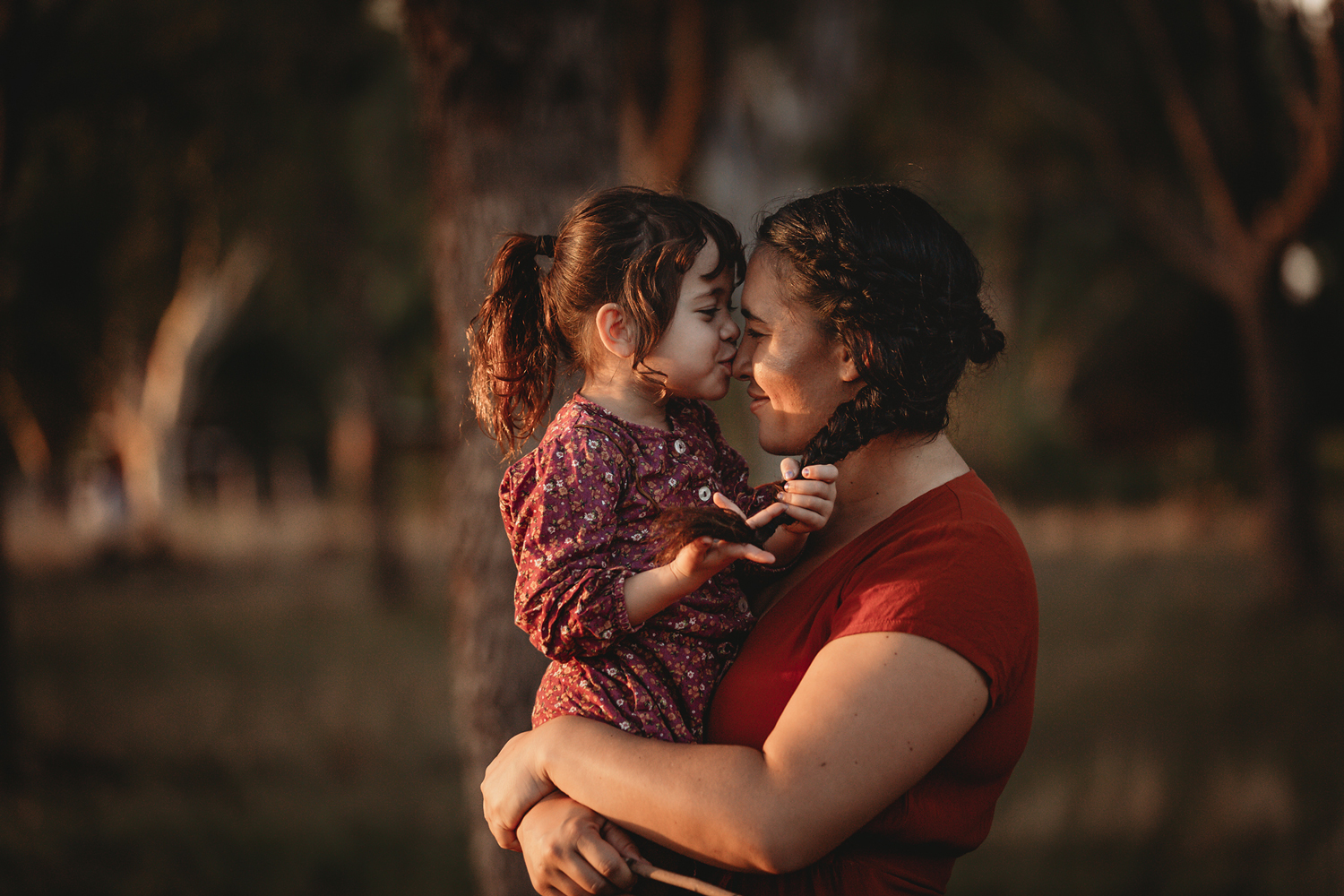 kissing-mummy's-nose-cathy-britton-photography.jpg