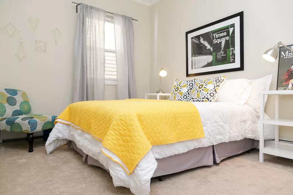 02 Spacious bedroom.png