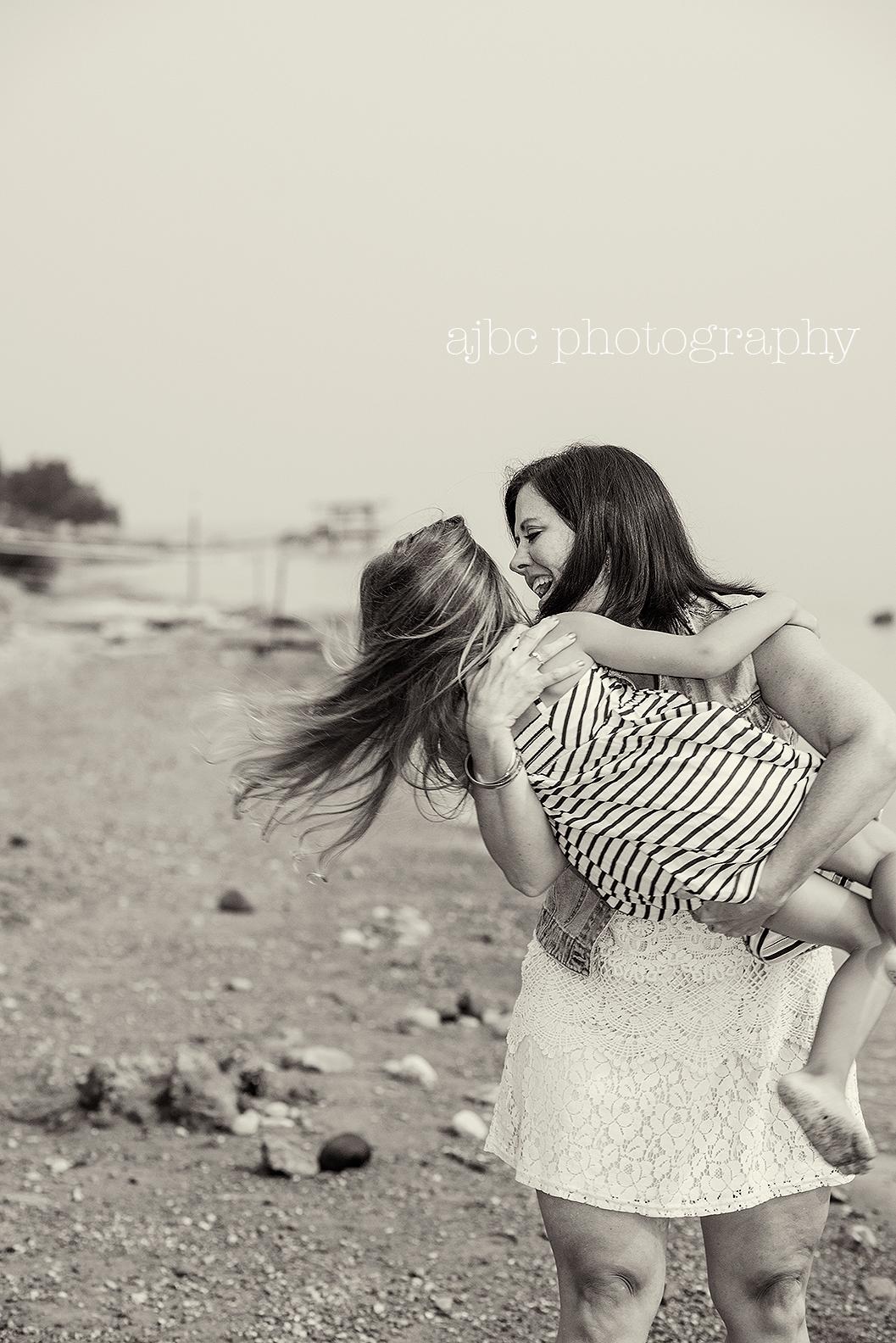 ajbcphotgraphy-port-huron-michigan-photographer-family-photographer-child-photographer-beach-outdoors.jpg