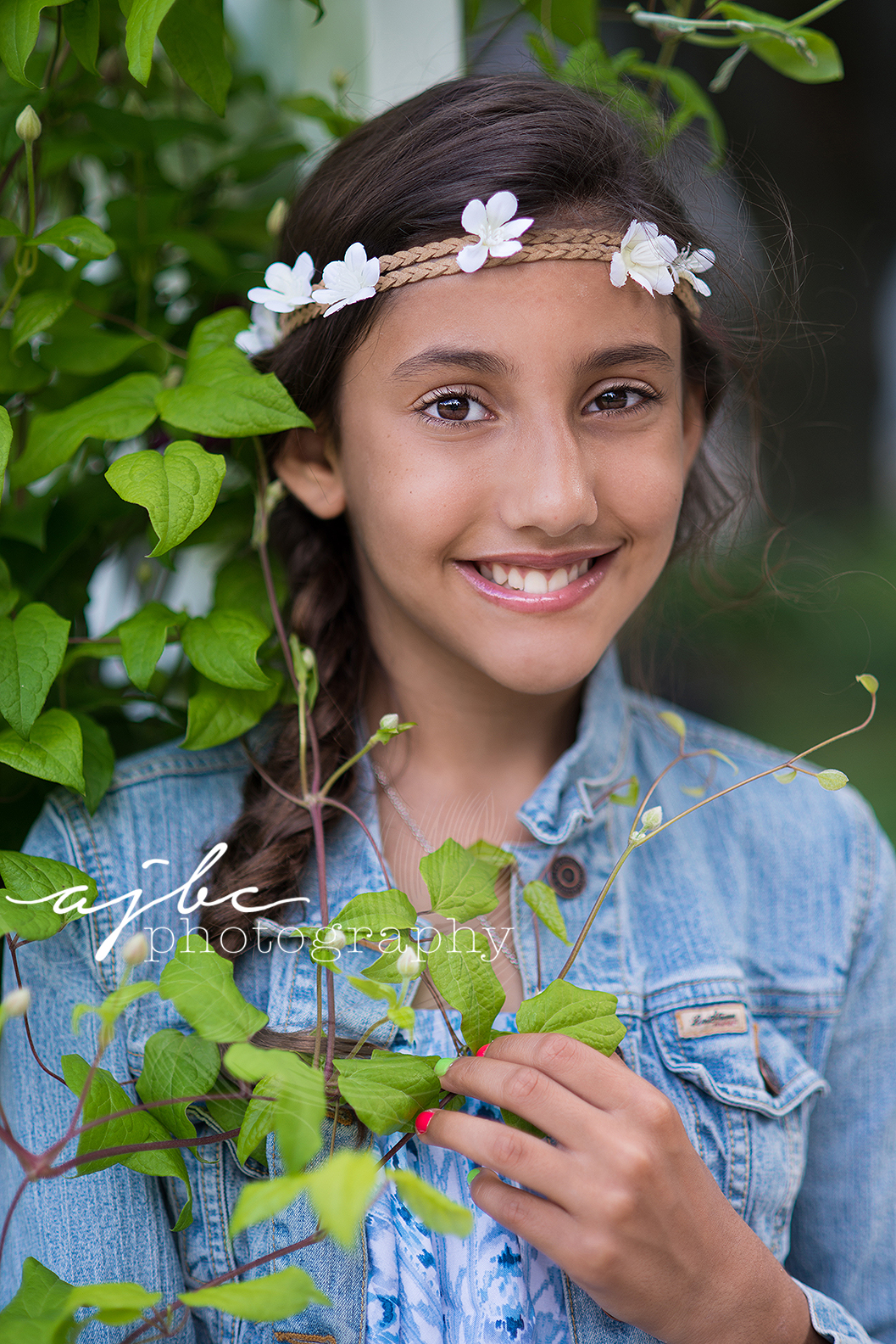 ajbcphotography-porthuron-michigan-family-photographer-outdoors-picnic-brother-sister-mother-portraits-child-photographer-family-fun-flower-child-michigan-photographer.jpg
