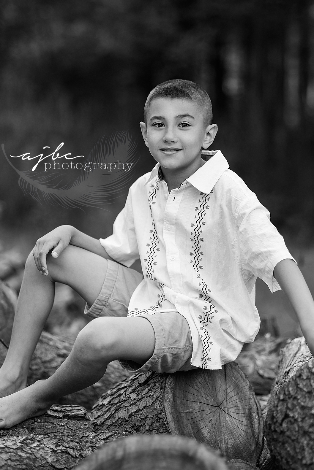 ajbcphotography-porthuron-michigan-family-photographer-outdoors-picnic-brother-sister-mother-portraits-child-photographer-family-fun-outdoor-shoot.jpg